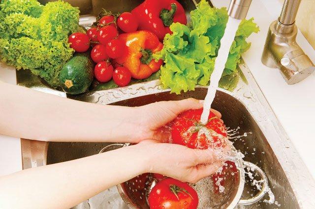 Tại sao nên rửa rau củ quả bằng nước Pi